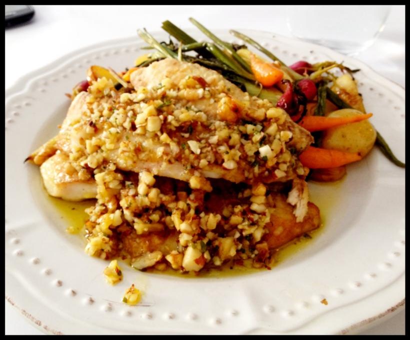 peixe branco com legumes